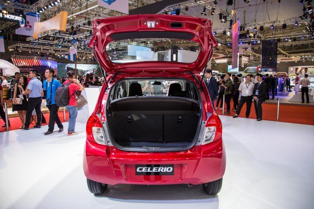 Ảnh chụp khoang hành lý của xe Suzuki Celerio 2018