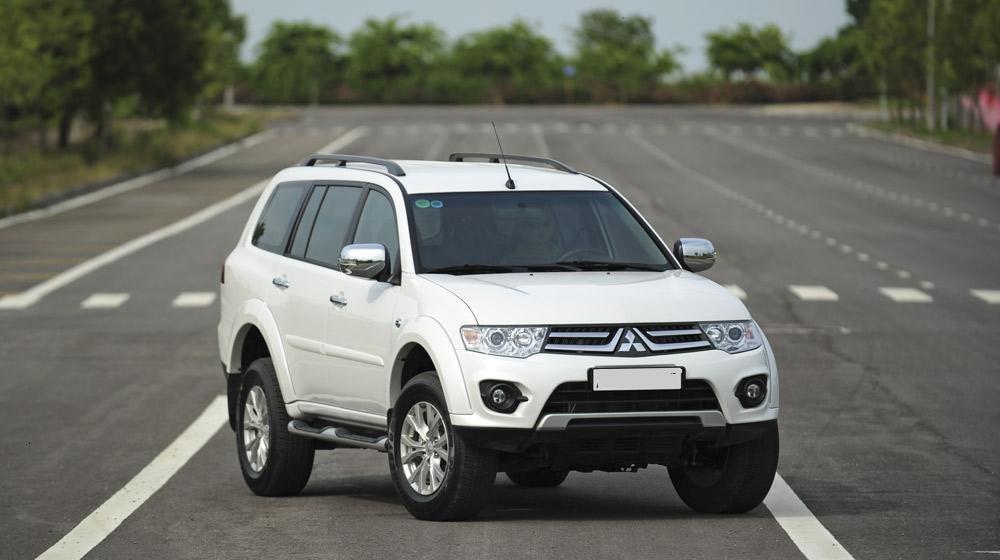 Giá xe Mitsubishi Pajero Sport lắp ráp nội địa chỉ từ 704 triệu đồng.