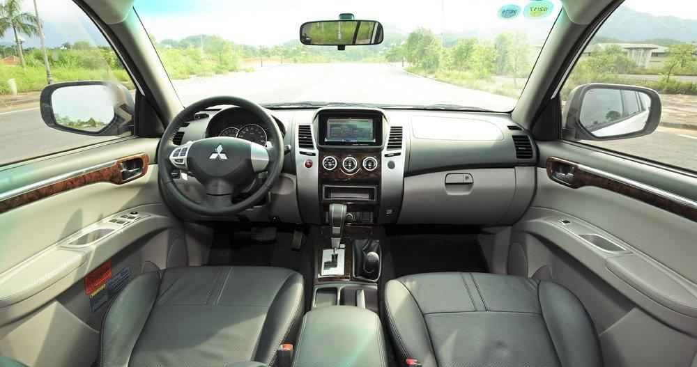 Giá xe Mitsubishi Pajero Sport lắp ráp nội địa chỉ từ 704 triệu đồng 1