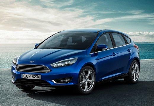 Ford Focus màu xanh chụp từ phía trước