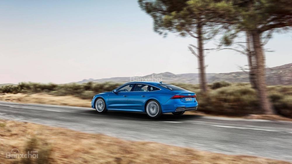So sánh xe Audi A7 Sportback 2019 thế hệ mới và cũ: Thay đổi đến từng chi tiết a2