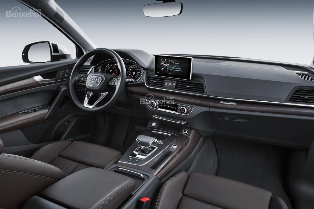 So sánh xe Audi Q5 2018 và Volvo XC60 2018 về nội thất,