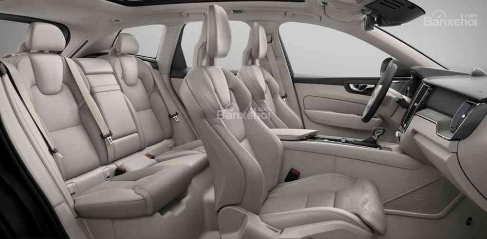 So sánh xe Audi Q5 2018 và Volvo XC60 2018 về hệ thống ghế ngồi.