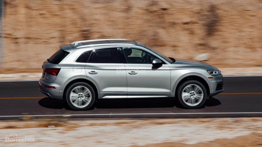 So sánh xe Audi Q5 2018 và Volvo XC60 2018 về chất lượng lái.