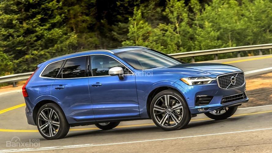 So sánh xe Audi Q5 2018 và Volvo XC60 2018 về độ an toàn.