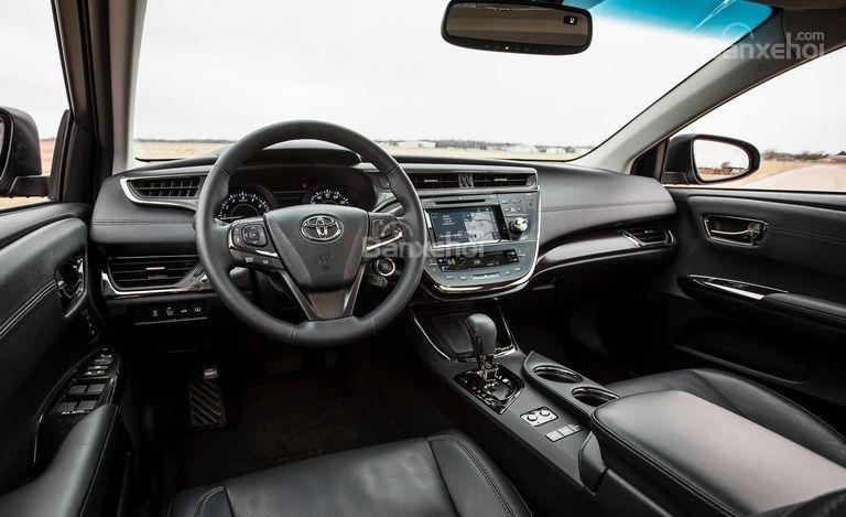 Đánh giá xe Toyota Avalon 2017: Loạt trang bị tiện nghi tiêu chuẩn cao cấp.