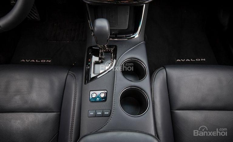 Đánh giá xe Toyota Avalon 2017: Loạt trang bị tiện nghi tiêu chuẩn cao cấp a4