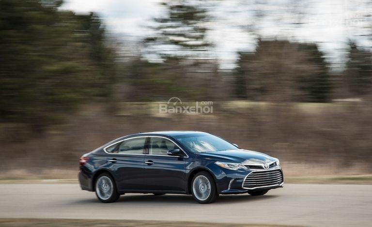 Toyota Avalon 2017 được đánh giá thuộc top trên trong phân khúc.