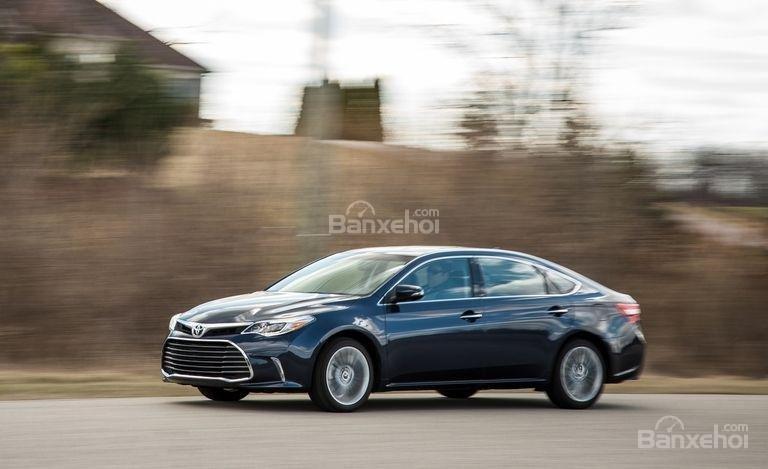 Đánh giá xe Toyota Avalon 2017 về trải nghiệm lái.