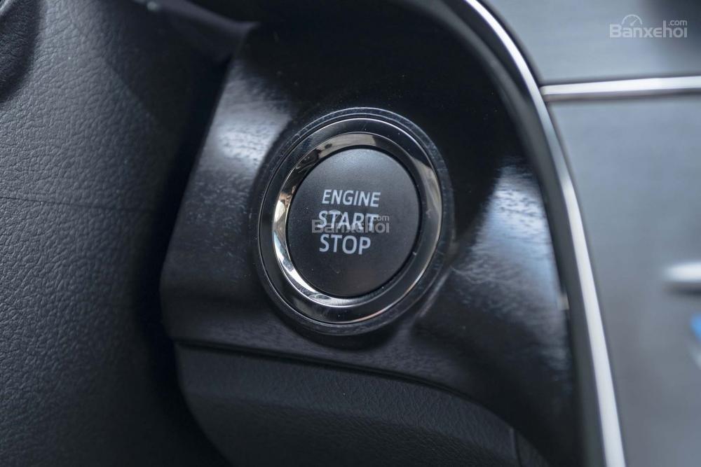 Toyota Avalon 2017 yếu thế trong phân khúc sedan hạng sang hàng đầu tại Châu Âu.