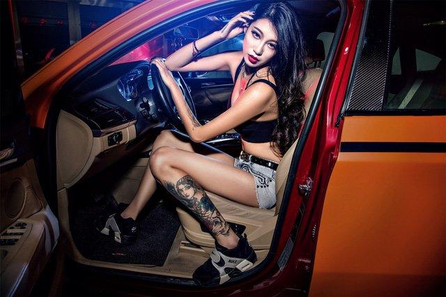 """Người đẹp """"chất lừ"""" bên xe độ BMW X6 a12"""
