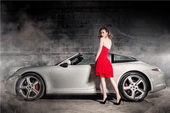 Người đẹp và xe Porsche 911 Targa 4S: Cổ điển và sang trọng a8