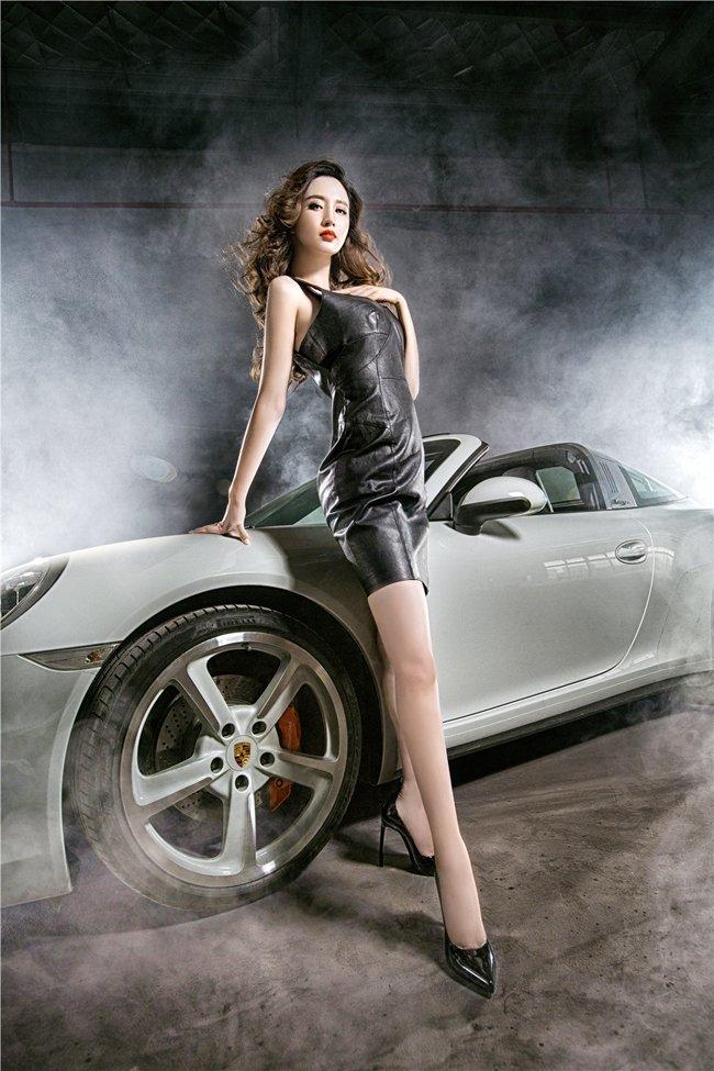 Người đẹp và xe Porsche 911 Targa 4S: Cổ điển và sang trọng a1