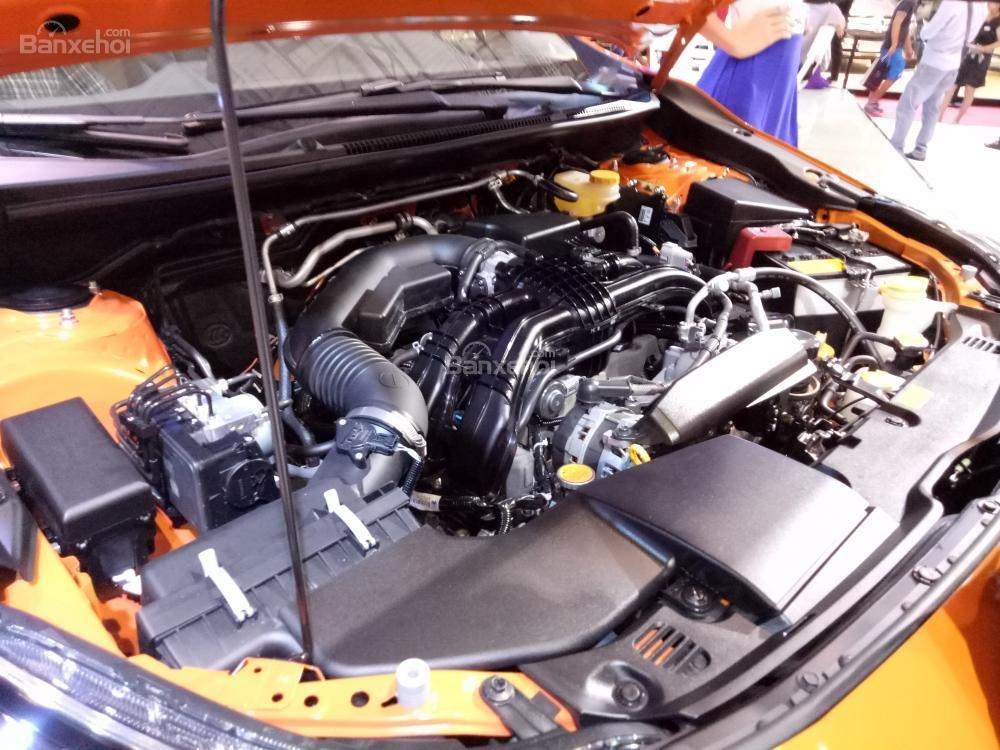 Đánh giá xe Subaru XV 2018: Xe được trang bị động cơ 4 xi lanh.