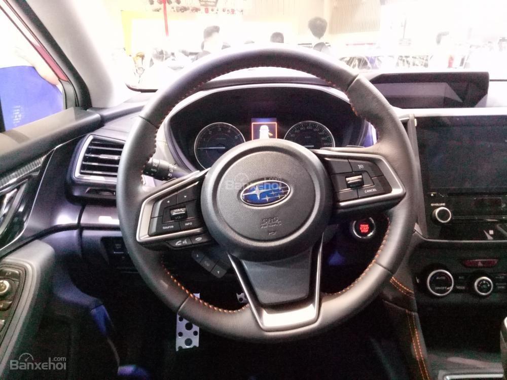 Đánh giá xe Subaru XV 2018: Vô lăng bọc da.