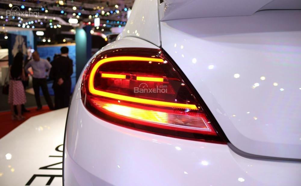 Đánh giá xe Volkswagen Beetle Dune 2017-2018: Đèn hậu.