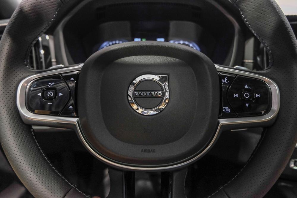 Hình ảnh vô-lăng xe Volvo XC60 2018