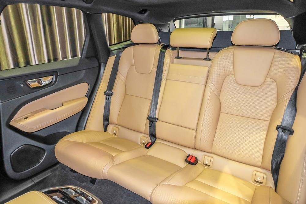 Hình ảnh ghế sau Volvo XC60 2018