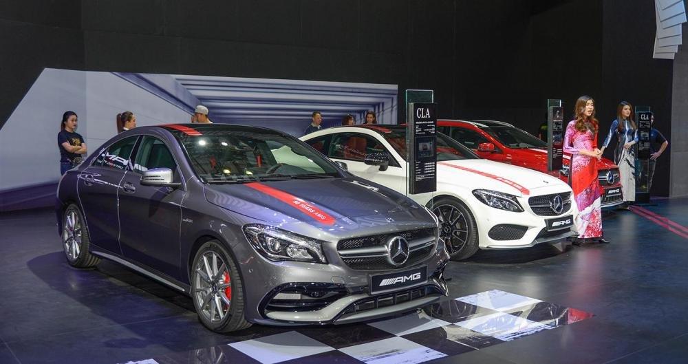 Hàng loạt hãng xe sang tiến hành giảm giá tại VIMS 2017.