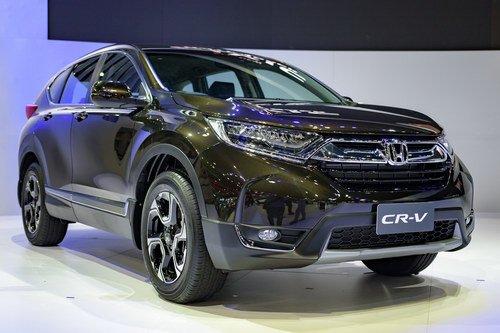 Honda CR-V 7 chỗ chụp từ phía trước