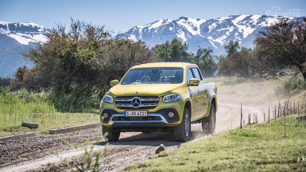 Đánh giá nhanh xe Mercedes-Benz X-Class 2018: Xe chạy ổn định.