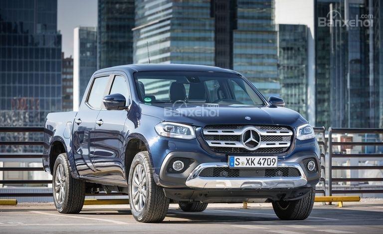Đánh giá nhanh xe Mercedes-Benz X-Class 2018: Đầu xe.