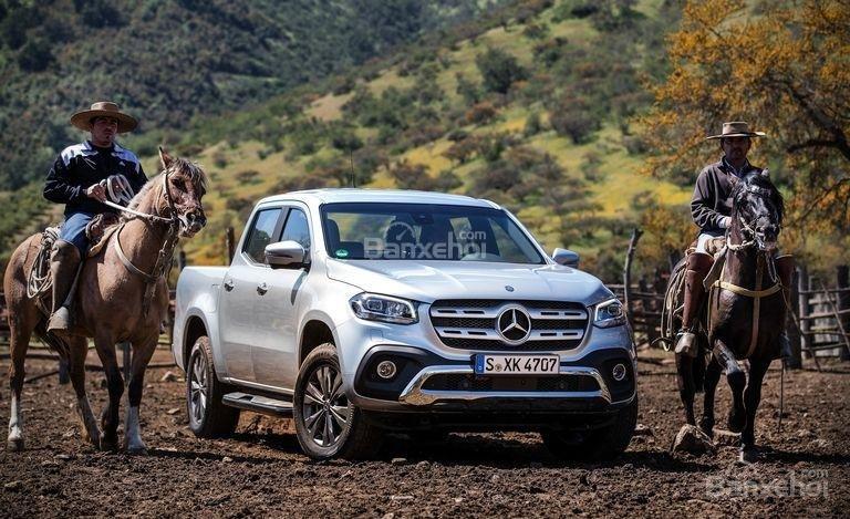 """Đánh giá nhanh xe Mercedes-Benz X-Class 2018: """"Mẫu bán tải đầu tiên của Mẹc""""."""