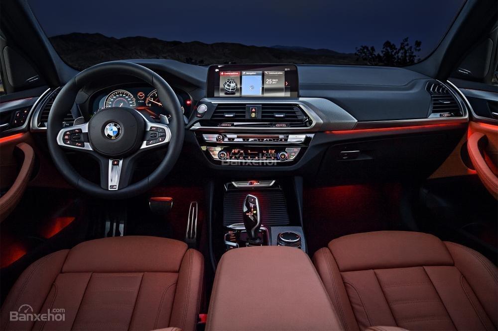 BMW X3 2018 thế hệ mới nhất sở hữu khoang nội thất ngập trần công nghệ cao, tiên tiến.