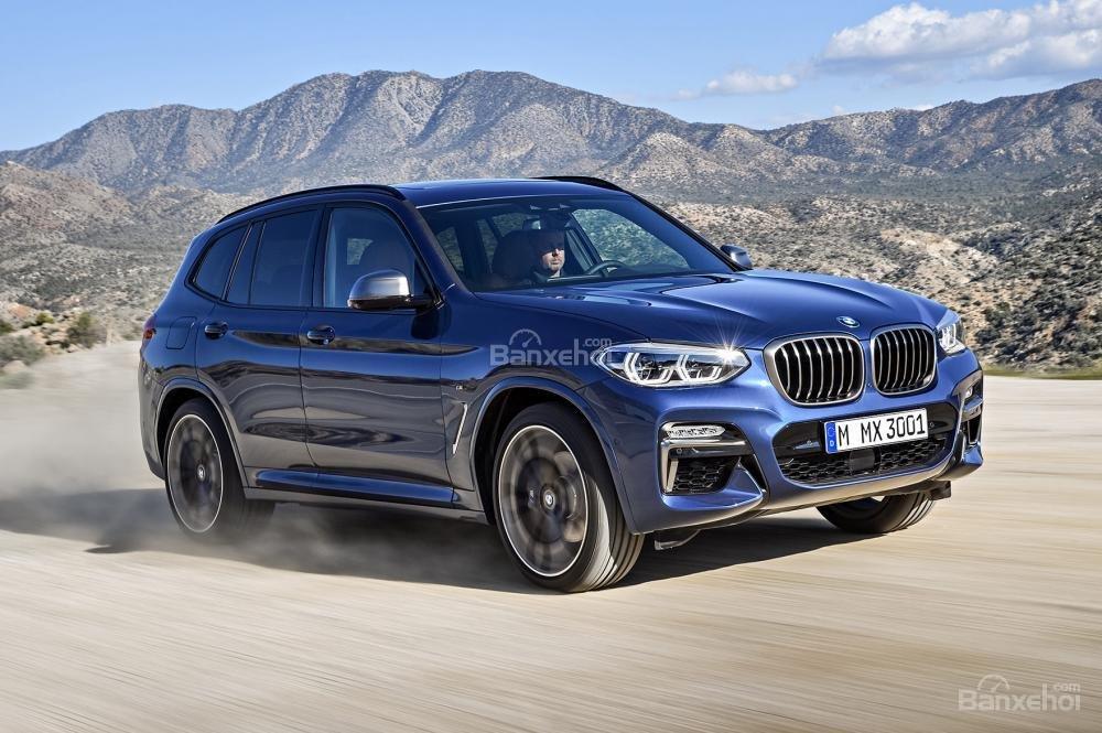 BMW X3 2018 có 2 biến thể xDrive30i và M40i.