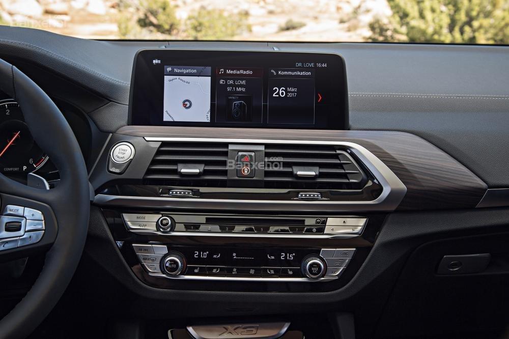 Đánh giá xe BMW X3 2018: Màn hình cảm ứng 10,25 inch tạng tablet/