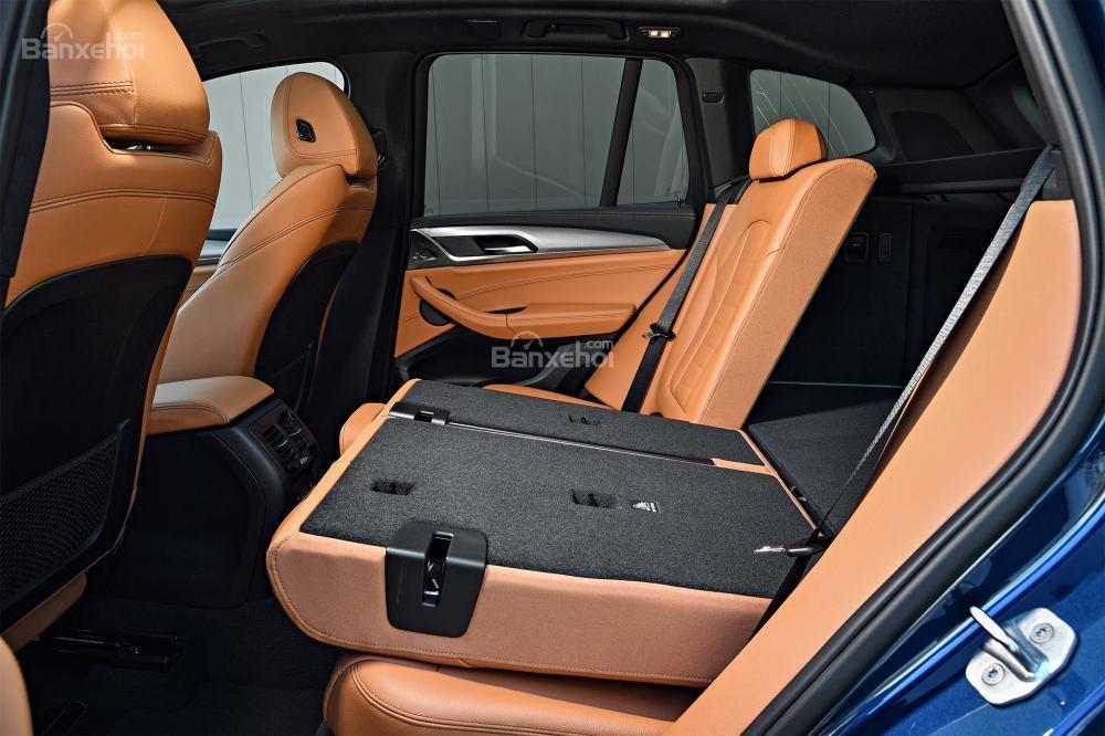 Đánh giá xe BMW X3 2018: Hàng ghế sau có thể gập phẳng.