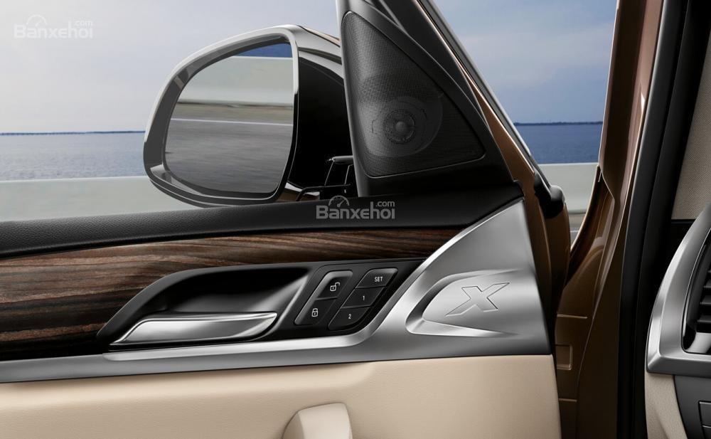 Đánh giá xe BMW X3 2018: Bố trí loa.