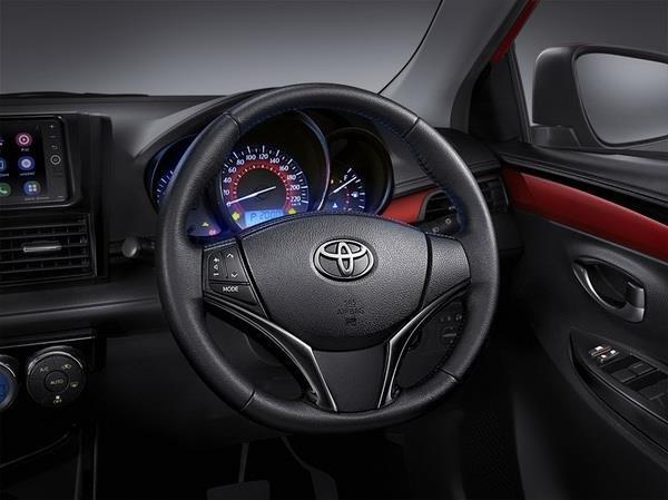 Ảnh chụp vô-lăng xe Toyota Vios 2018