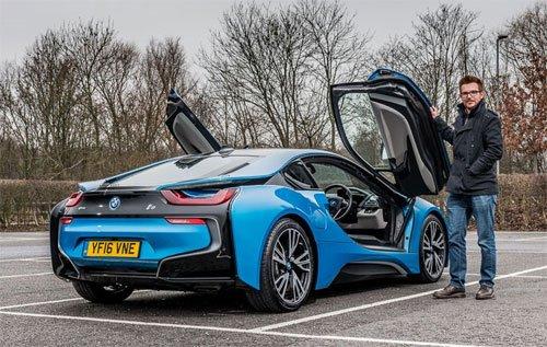 Anh Quốc đang phát cuồng vì siêu xe, xe sang 3