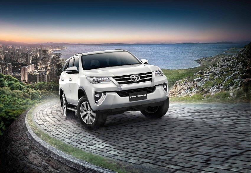 Đánh giá xe Toyota Fortuner 2018 về thiết kế, trang bị và vận hành.