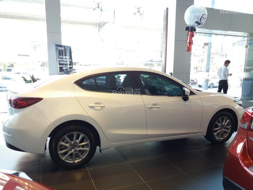 Bán Mazda 3 Facelift năm sản xuất 2019 - Giảm tiền mặt lên đến 20tr - Vay trả góp 85%, lãi suất tốt - LH: 0961.122.122-3
