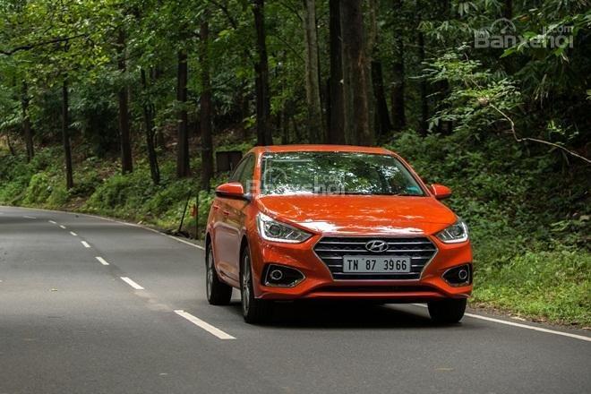 """Hyundai Accent 2017 thế hệ mới gây """"sốt"""" tại Ấn Độ với 20.000 đơn hàng chỉ sau 2 tháng.."""