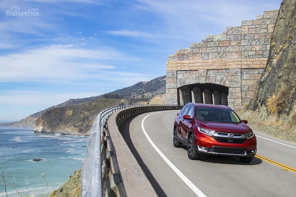 Honda CR-V 2018 đánh bại Nissan X-Trail 2018 ở tất cả các hạng mục so sánh.