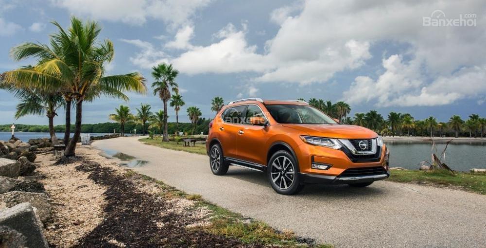 So sánh xe Honda CR-V 2018 và Nissan X-Trail 2018 về giá bán a1