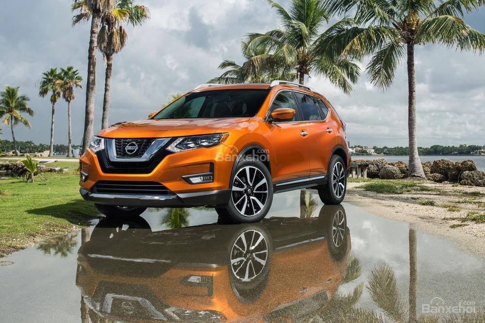 So sánh xe Honda CR-V 2018 và Nissan X-Trail 2018 về giá bán a2