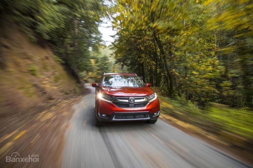 So sánh xe Honda CR-V 2018 và Nissan X-Trail 2018 về động cơ.