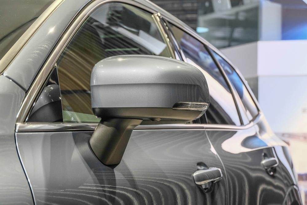 Ảnh chụp gương xe Volvo XC60 2018