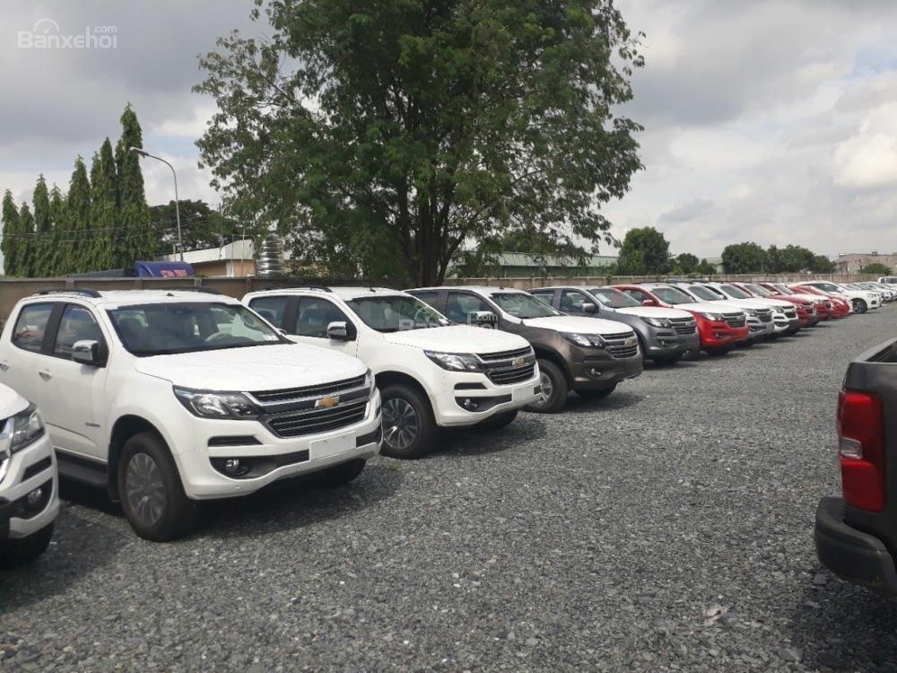 Chevrolet Colorado LT phiên bản 2018 - ưu đãi đặc biệt về giá cho khách hàng Kon Tum Tây Nguyên. Cam kết giá rẻ nhất-4