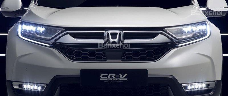 Đánh giá xe Honda CR-V Hybrid 2017 về mức tiêu thụ nhiên liệu.