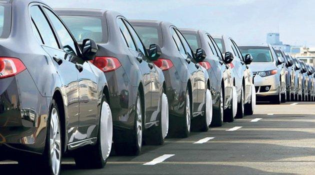 Chán nhập ô tô, doanh nghiệp nằm im chờ 2018 a2
