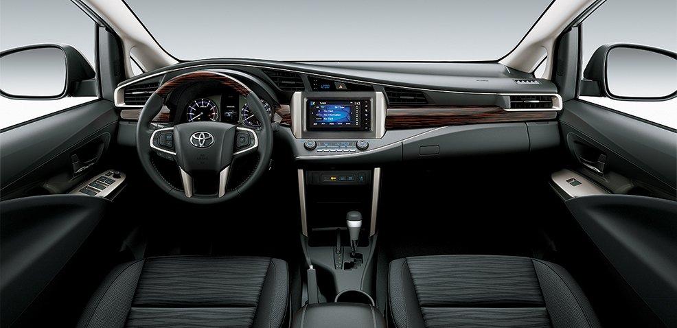 Nội thất Toyota Innova Venturer 2018