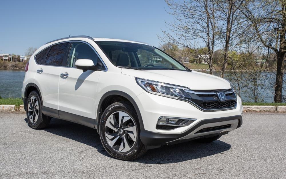 """Những mẫu ô tô giảm giá nhiều tại Việt Nam: Hyundai Santa Fe """"ngon nhất"""" a5"""