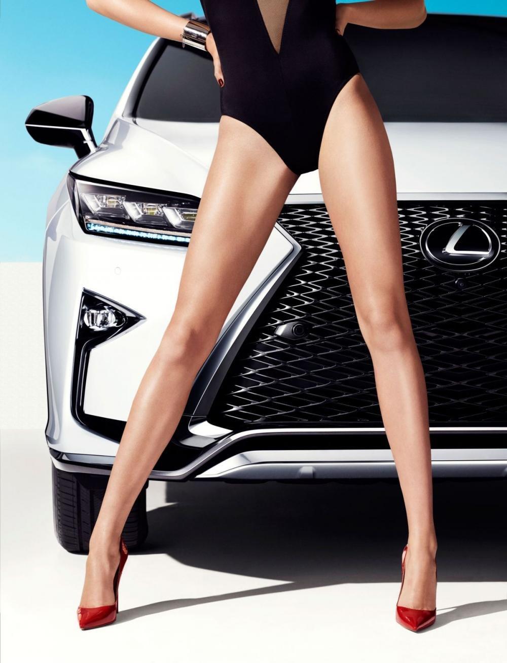 Người đẹp và xe Lexus RX 2016 a7