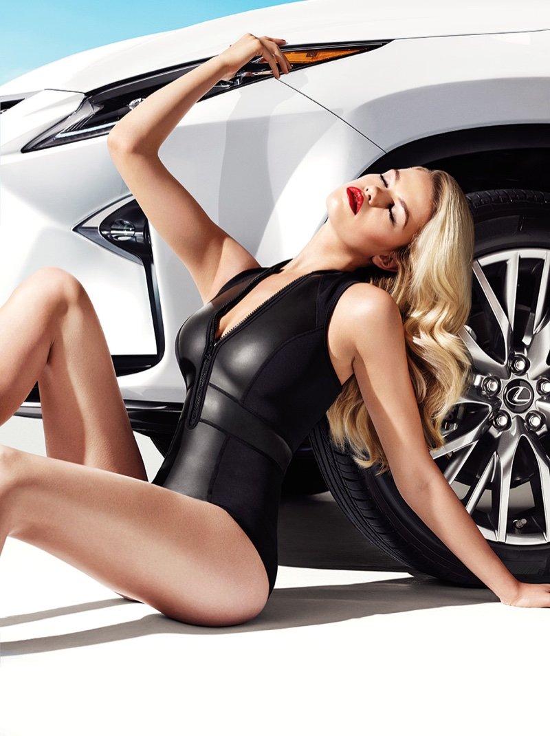 Người đẹp và xe Lexus RX 2016 a4