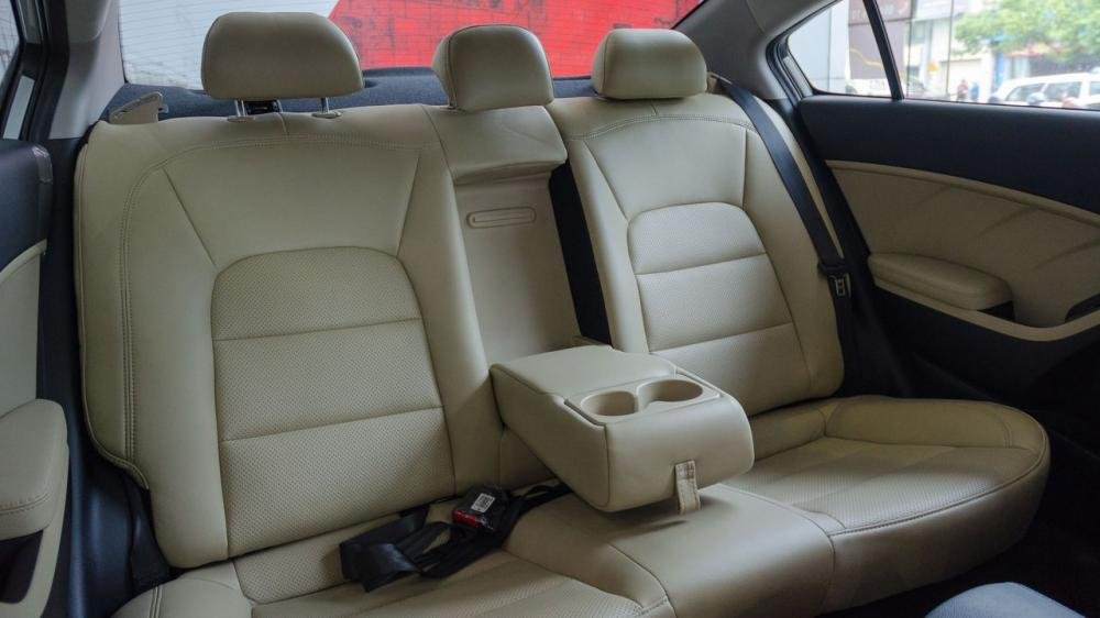 So sánh xe Chevrolet Cruze 2018 và Kia Cerato 2018 về ghế xe 7